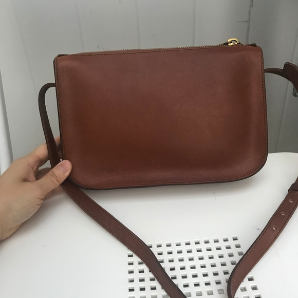 5da0a9206945 Madewell The Simple Crossbody Bag G0517